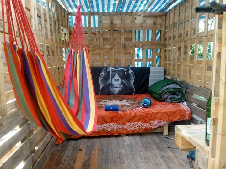 Hütte am Waldrand von Martinsthal