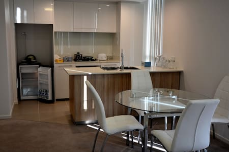 高级两房公寓 - Hurstville - Apartment