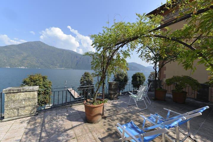 Casa la Terrazza sul lago-WelcHome - Cannobio