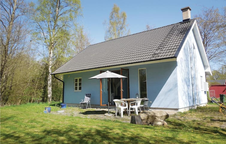 Holiday cottage with 2 bedrooms on 79m² in Gärsnäs