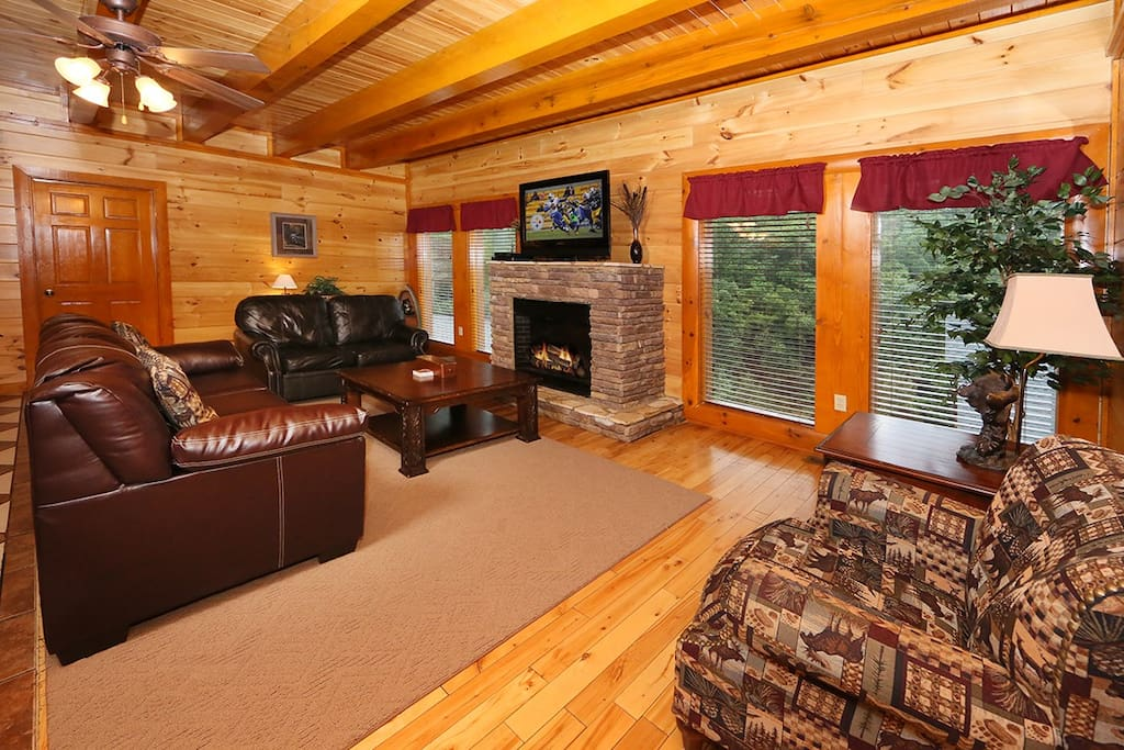 Mountain Movie Inn-Living Area