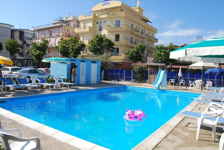 Residence Ortigara Rimini Bilo for 4 with kitchen SEASIDE AND SWIMMINGPOOL
