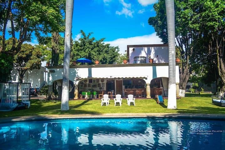 Casa 30 personas y Alberca Climatizada / Temazcal