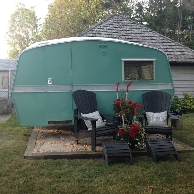 Additional Vintage Camper available for $25 a night, sleeps 3