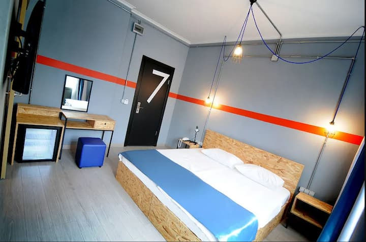 Cozy and Deluxe Room near İstiklal St.
