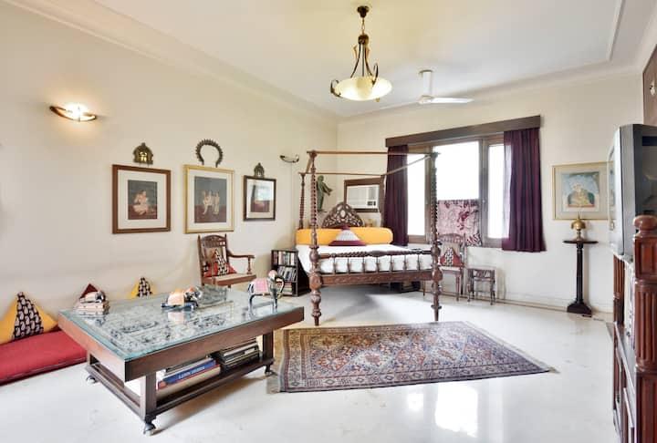 Bengal suite@ posh Delhi house @ GK 1