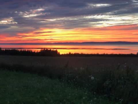 Walton Farm House + Minas Basin Sunsets + Relax