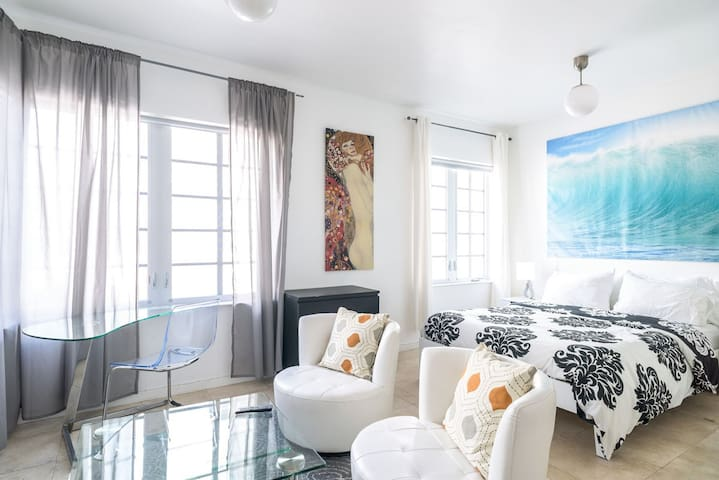 Ocean Drive Apartment by the Beach - Miami Beach - Appartement en résidence