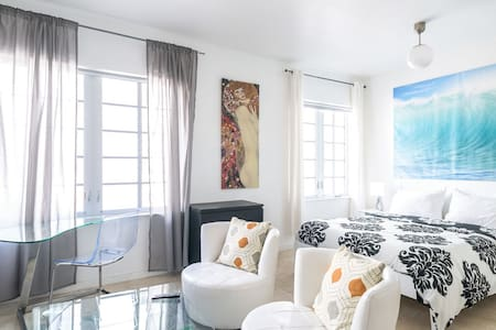 Ocean Drive Apartment by the Beach - Miami Beach - Condomínio