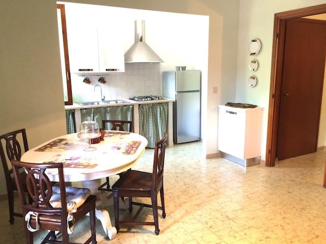 Accogliente appartamento-vacanze - Imperia - Appartement