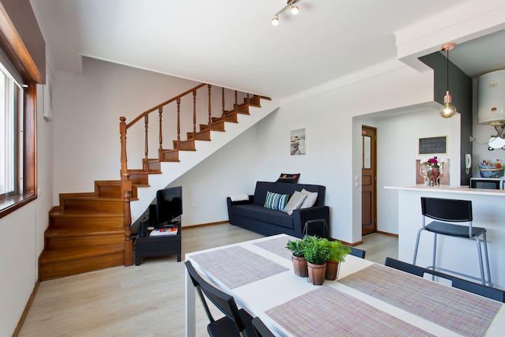 Sunny Duplex Apartment in Porto - Casa Marquês