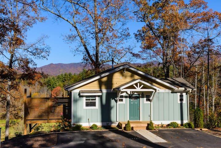 Brand New Cottage with Views! - Weaverville - Blockhütte
