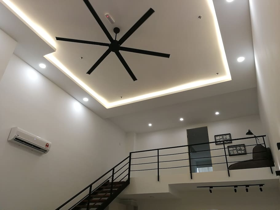 19ft Ceiling Height