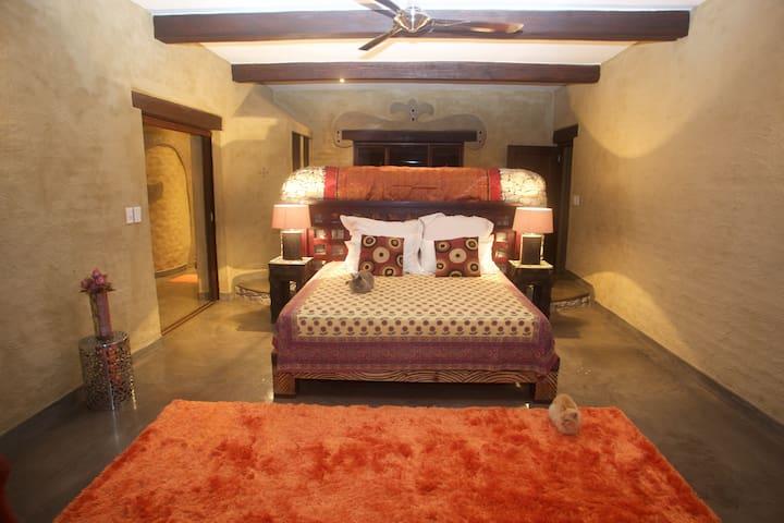 Bedroom en- suiteFish Eagle Suite