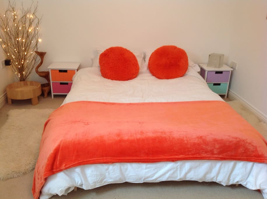 Cosy romantic and clean room