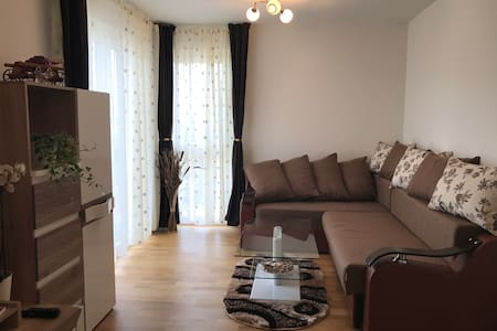 NEW apartment, 2min walk to Metro, FREE WIFI&PARK