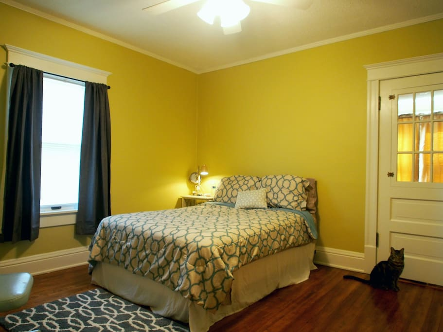 A second room is available for extra, contact us for details!