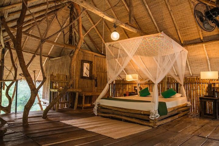 Skye: Tree House Suite