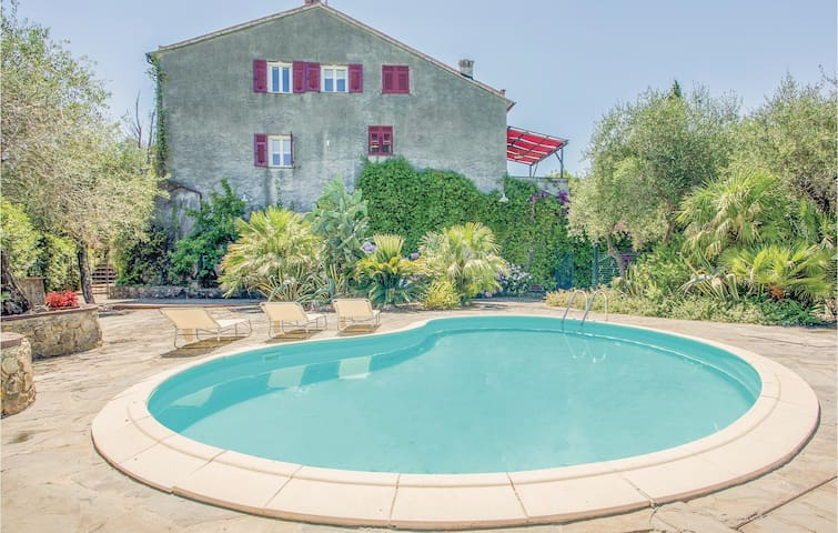 Holiday cottage with 3 bedrooms on 240m² in Sestri Levante  - GE -