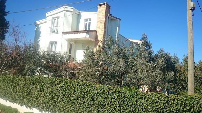 3 tarafı Deniz, Muhteşem Manzara - Eriklice Köyü - Villa