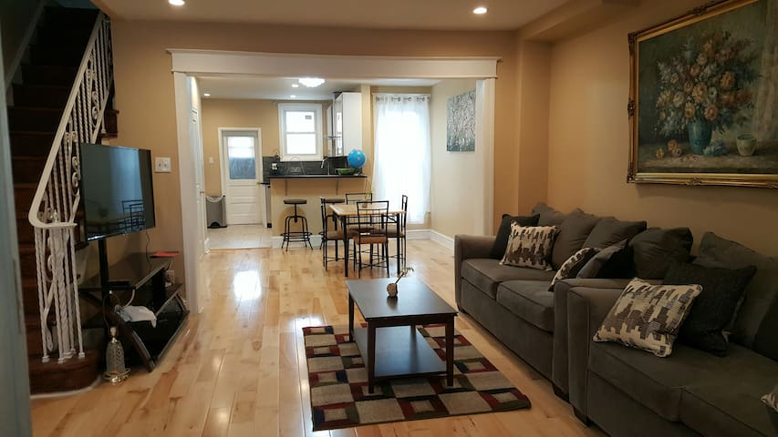 Clean, Spacious, 3-bedroom House around City Ave.
