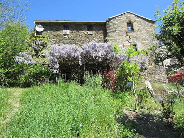 The Secret of the Rives, Typical house, Cévennes - Saint-Germain-de-Calberte - Hus