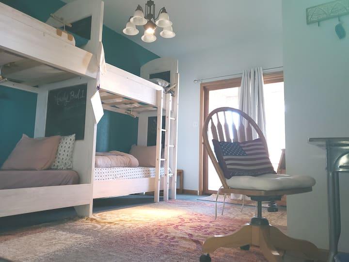 Hostel #HipHouseHostelCheyenne B4