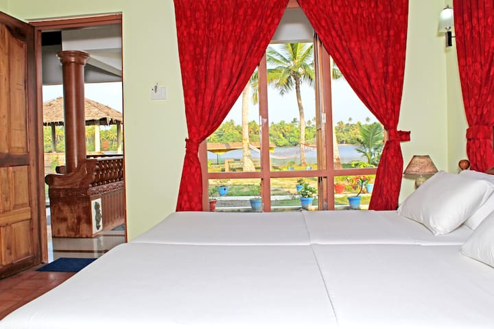 Backwater View Rooms - Kodamthuruth - Bed & Breakfast