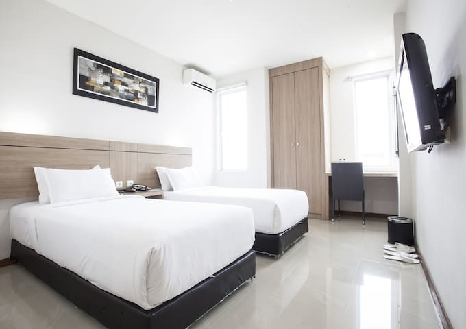 Superior Room with 2 hrs city tour - Medan - Bed & Breakfast