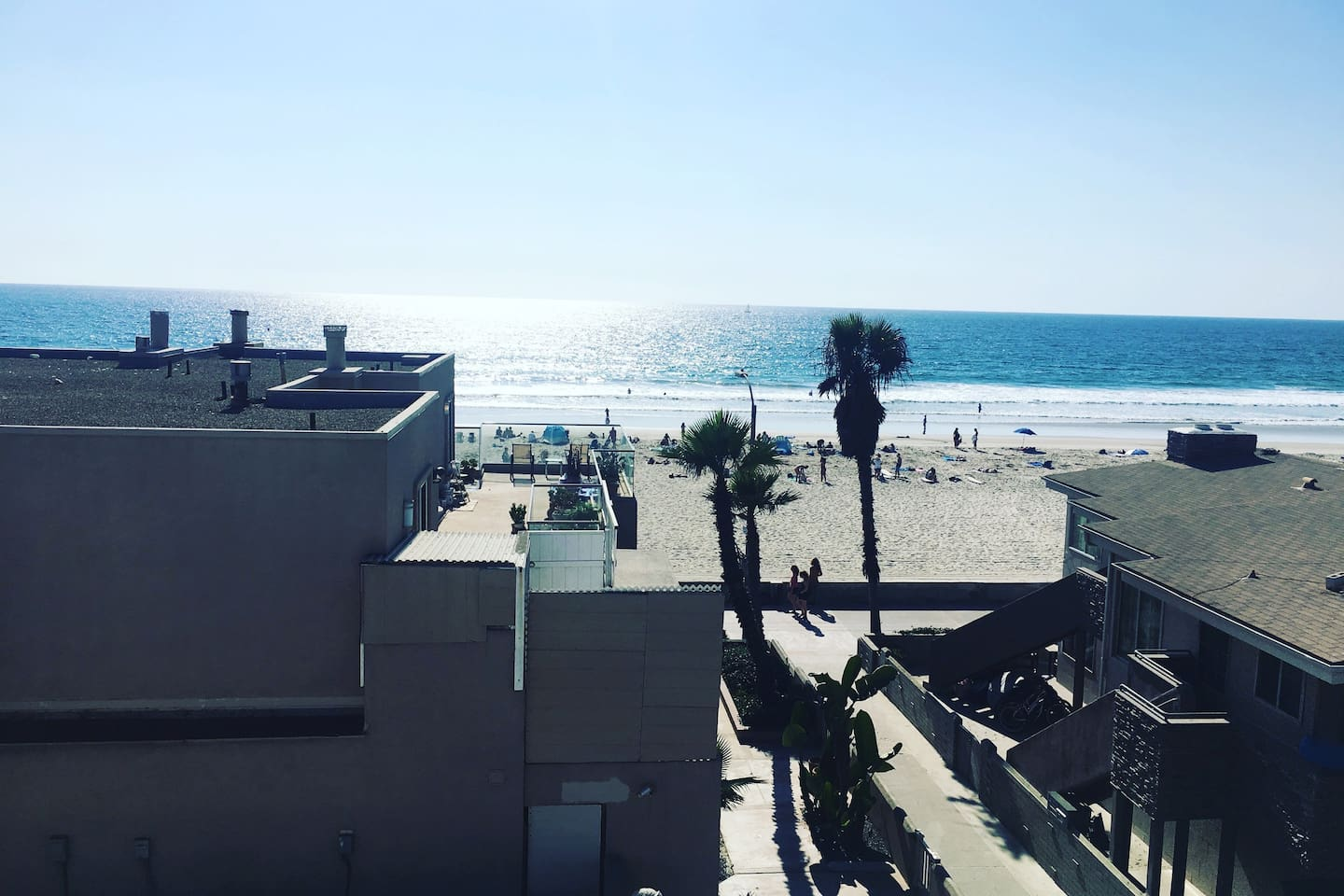 View of Mission Beach down Island Court from the building's shared rooftop deck.