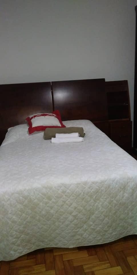Santa Tereza/ casa:cama  casal / estaciona