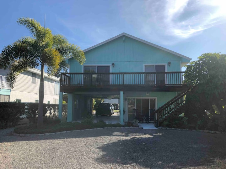 Bonita Beach 2/2 Cozy Bay/Beach Access Home
