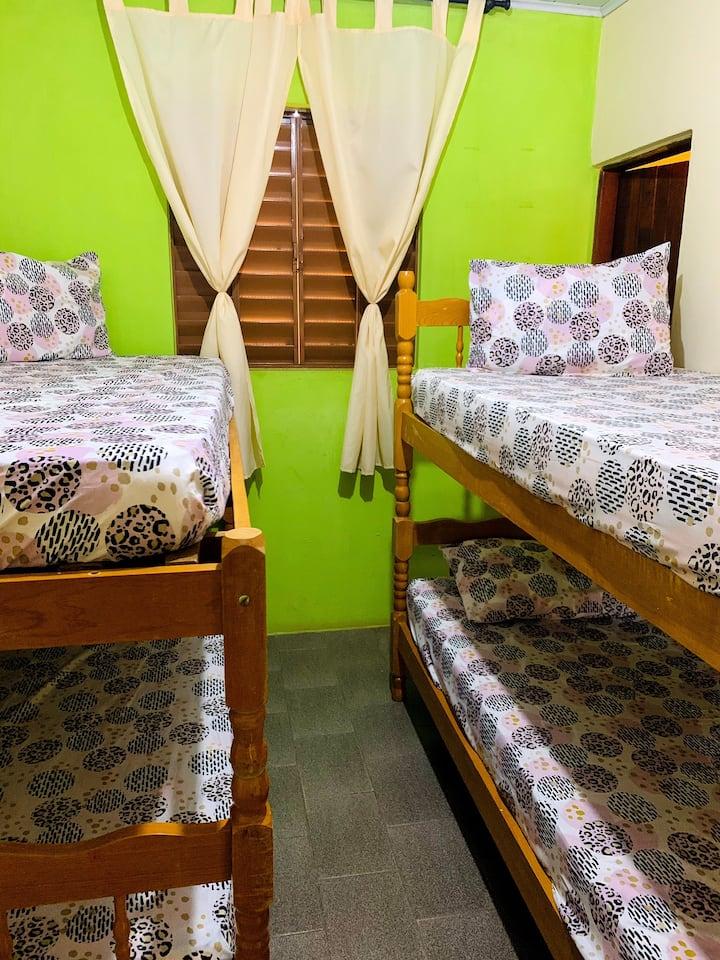 Hostel Albergue Dormitório até 4 pessoas