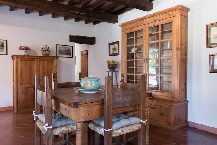 tavolo in salotto