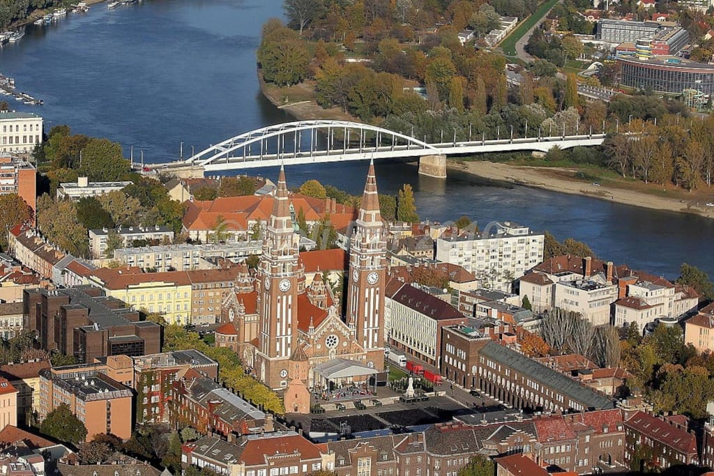 Szeged, city centre, Dome and river Tisza