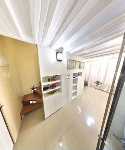 Urban Loft (Boutique Condominium)
