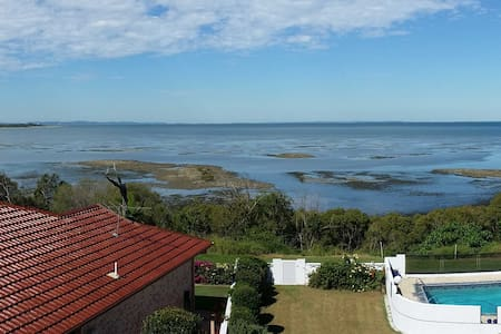 Bribie & Moreton Bay Panorama: Room 2 - Upstairs - Sandstone Point