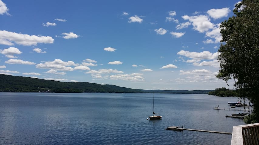Lake front close to Cooperstown - Richfield Springs - Casa