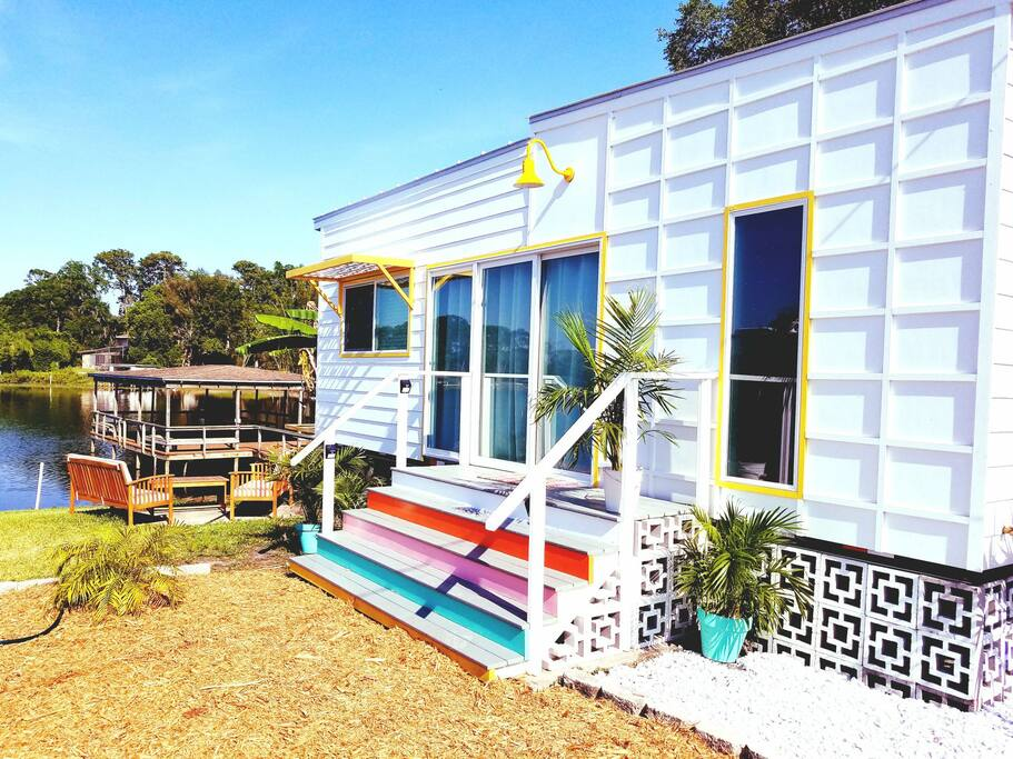 the bermuda tiny houses for rent in orlando florida united states. Black Bedroom Furniture Sets. Home Design Ideas