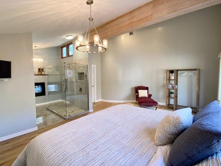 Luxurious romantic suite