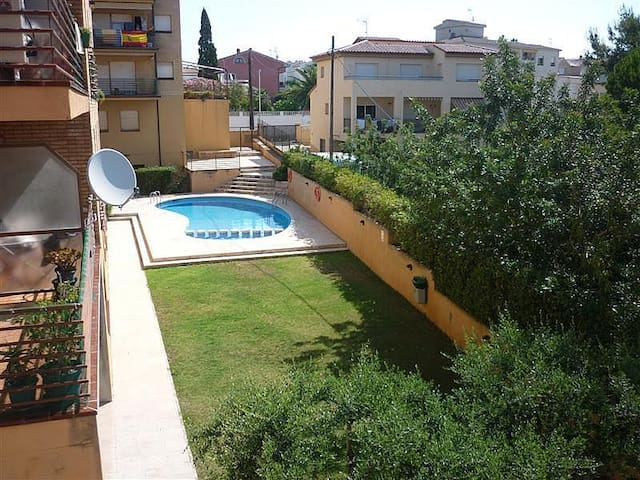 Appartement 7 couchages, balcon, piscine commune - Torredembarra - Apartemen