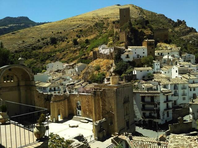 all these photos are taken from our place - balcony view of ruins of St. Mary Church (ruinas de Iglesia de Santa Maria) & 9th Century Moorish Castle (Castillo de las Cuatro Esquinas)