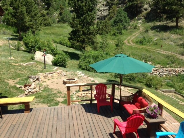 Peaceful Convenient Mountain Studio - Estes Park - Lejlighed