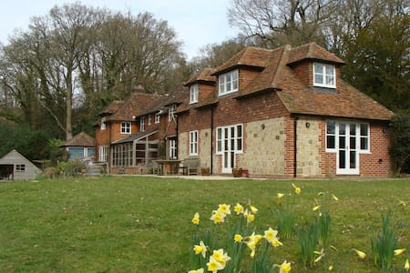 West Sussex  - self contained rural retreat - Linchmere - House
