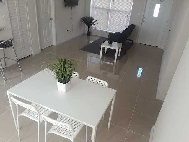 Modern Private Room, Hallandale beach in 5min (3)