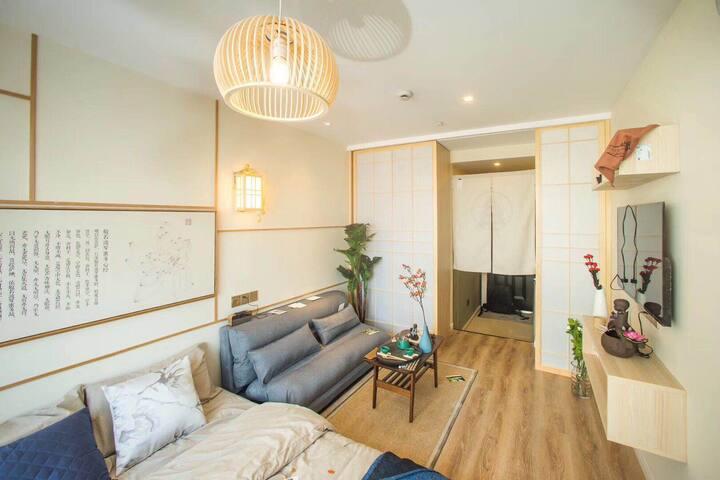 13号线真北路精装修一居室 独立厨卫 带电梯 免费健身房