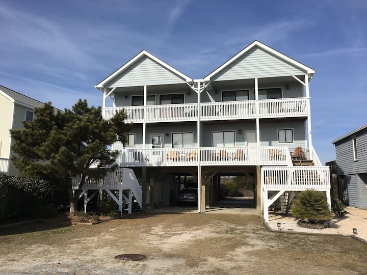 3Bdr/2.5bath, close beach access, views, privacy