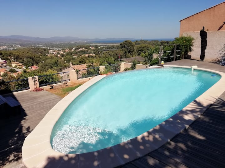 Villa avec piscine proche de la mer