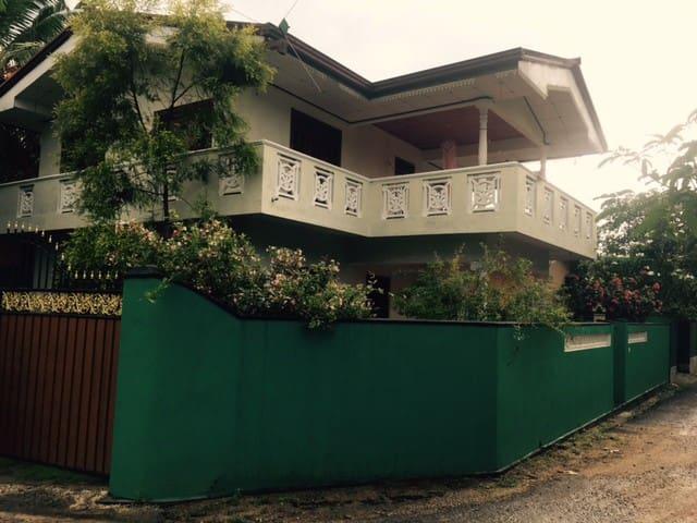 2 Story House in Walahanduwa - Galle. 5Bed 2Bath.