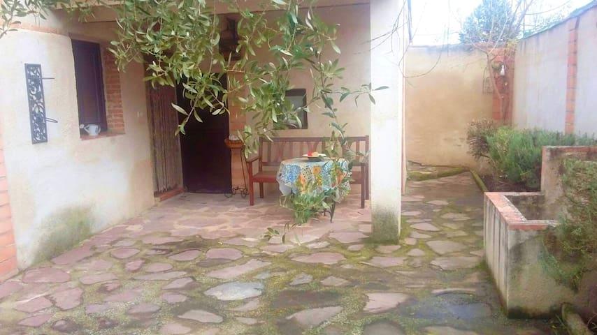 Spacious house in Bernuy